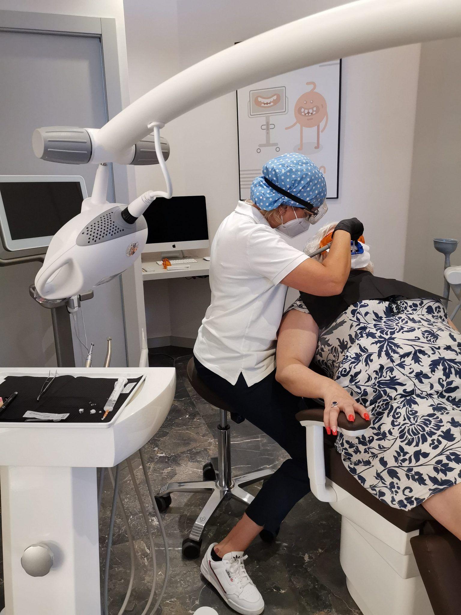 ejemplo tratamiento blanqueamiento dientes